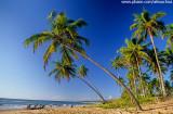 Chegada de jangada na praia do cassange.jpg