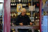 Wine shop at San Nicolás sq.