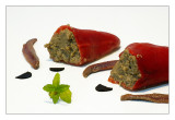 Pimientos del piquillo rellenos de paté de berenjena
