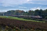 La BB7440 et un train de marchandises à Chignin.