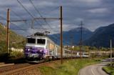 La BB22264 près de Saint-Jean-de-Maurienne.