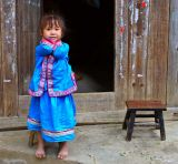 1224 Young Kam girl in traditional clothes.