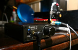 D1 portable headphone dac/amp by iBasso.