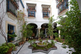 La Juderia: Courtyard with Flowers and Plants