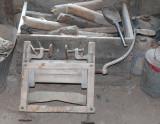 hand cranked roller press