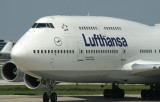Close up of Lufthansa 747-400