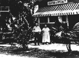 1913 - Joe and Jenny Weiss at their seafood restaurant on the south tip of Miami Beach