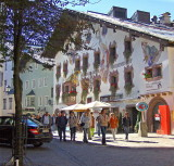 A THE GOLDENER GREIF HOTEL   866