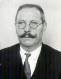 (27) 1935