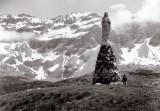 La Vierge de Troumouse sur fond de Munia (3133 m) (Foca)
