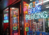 Tatto, Body Piercing & Porn Shop
