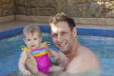 Na Piscina com o Papai