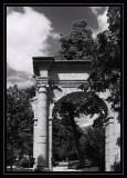 Paris-Parc Monceau- Arche