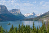 Glacier National Park has beautiful lakes