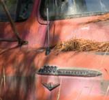 zzzzP1020117 Old truck - large aperture - tripod - crop-3 - size change.jpg