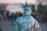 Human Statue of The Liberty 2006.jpg