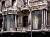 house next to Casa calvet - note doorways similar to Casa Batlo