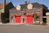 2006_Detroit_Fire_Dept_Engine-42_Ladder-21_firehouse_6324_west_chicago.JPG