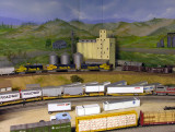 backing up a little more we give the scene something of an N scale perspective (grin)