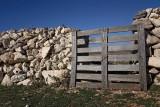 Stone fence kamnita ograja_MG_4944-1.jpg