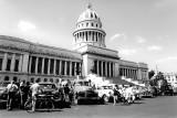 cabbies at El Capitolio Nacional