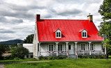House w Red Roof