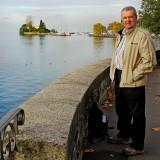 Moi on the lake walk, Montreux