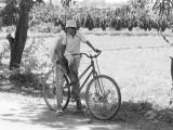 Jeunes filles en bicyclette