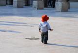 Le petit chapeau rond, rouge...