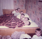 Nap Time With Bulters And Osbone Kids ( 1964)