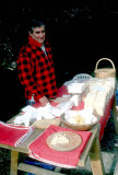 Selling handmade Gamonedo cheese in Covadonga, Asturias