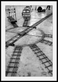 Jambes dans le coinet les petits trains