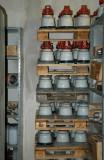 Ur ställverkets reservdelslager - stödisolatorer