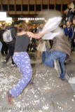 batalla de almohadas en Madrid (6).JPG
