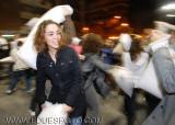 batalla de almohadas en Madrid.JPG