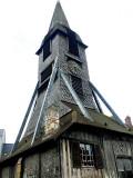l'église en bois.