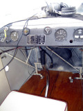 Flying-4w.jpg