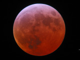 An orange, mars-like ball - 23:05 UTC