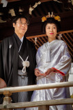 DANS UN TYEMPLE SHINTO D'OSAKA: UN MARIAGE