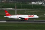 TAM_A320-232_FWWBF
