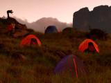 Sunrise in the camp / Amanecer en el campamento