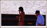 Et ne me dit  pas que tu regardes la mer !.And don't tell me you'r looking seaside