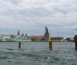 Mast Crane (1700's) and Modern Warship