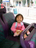 She likes Bus (25-4-2007)