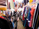 pbase Joan shopping June 18 R1010254.jpg