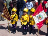 Kids Get Ready For Parade, Puno