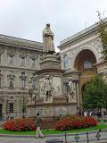 Statue of Milan's most famous son, Leonardo da Vinci