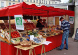 In Rouen, outdoor markets offer good options for lunch