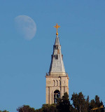 05078 - The moon of the church / Jerusalem - Israel