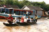 Ecoliers, près du lac Tonle Sap - Cambodge